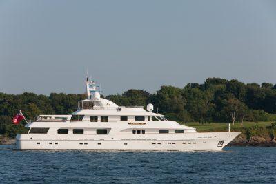 M/Y CRACKER BAY luxury yacht charter caribbean