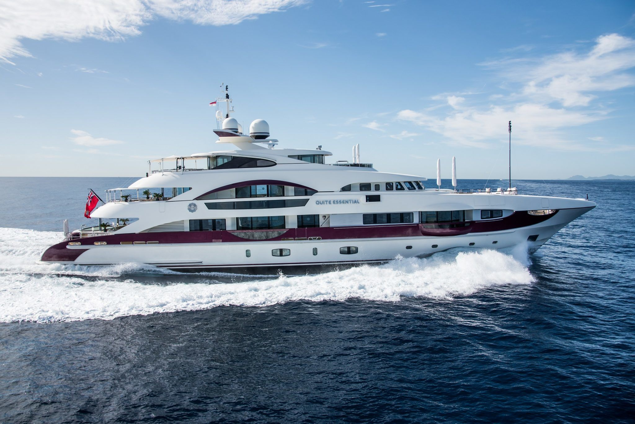M/Y QUITE ESSENTIAL Yacht for Charter running