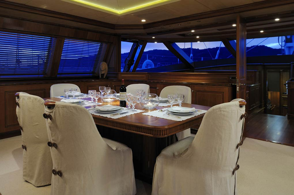 Dining room on a yacht for charter S/Y Drumbeat