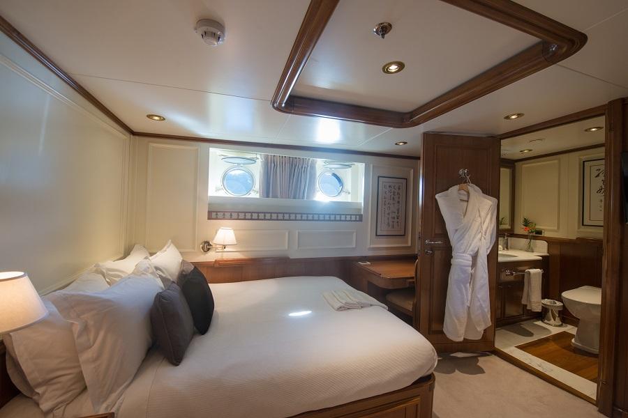 m/y seawolf luxury yacht charter