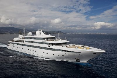 M/Y LAUREN L yacht for charter