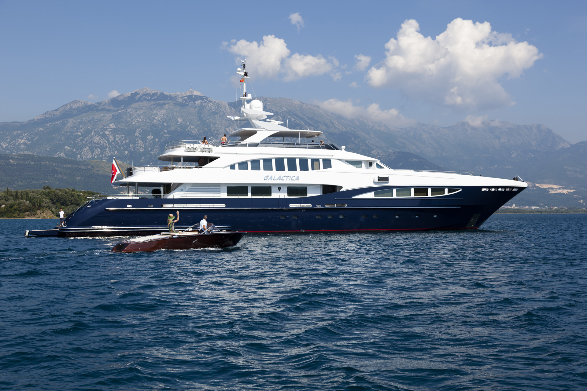 The YACHTZOO team is delighted to announce the sale of M/Y
