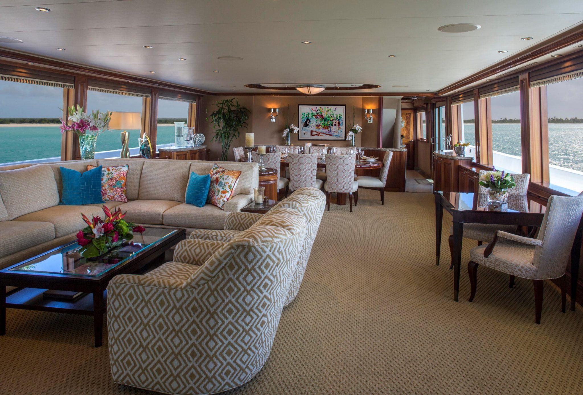 AMITIE Yacht Charter