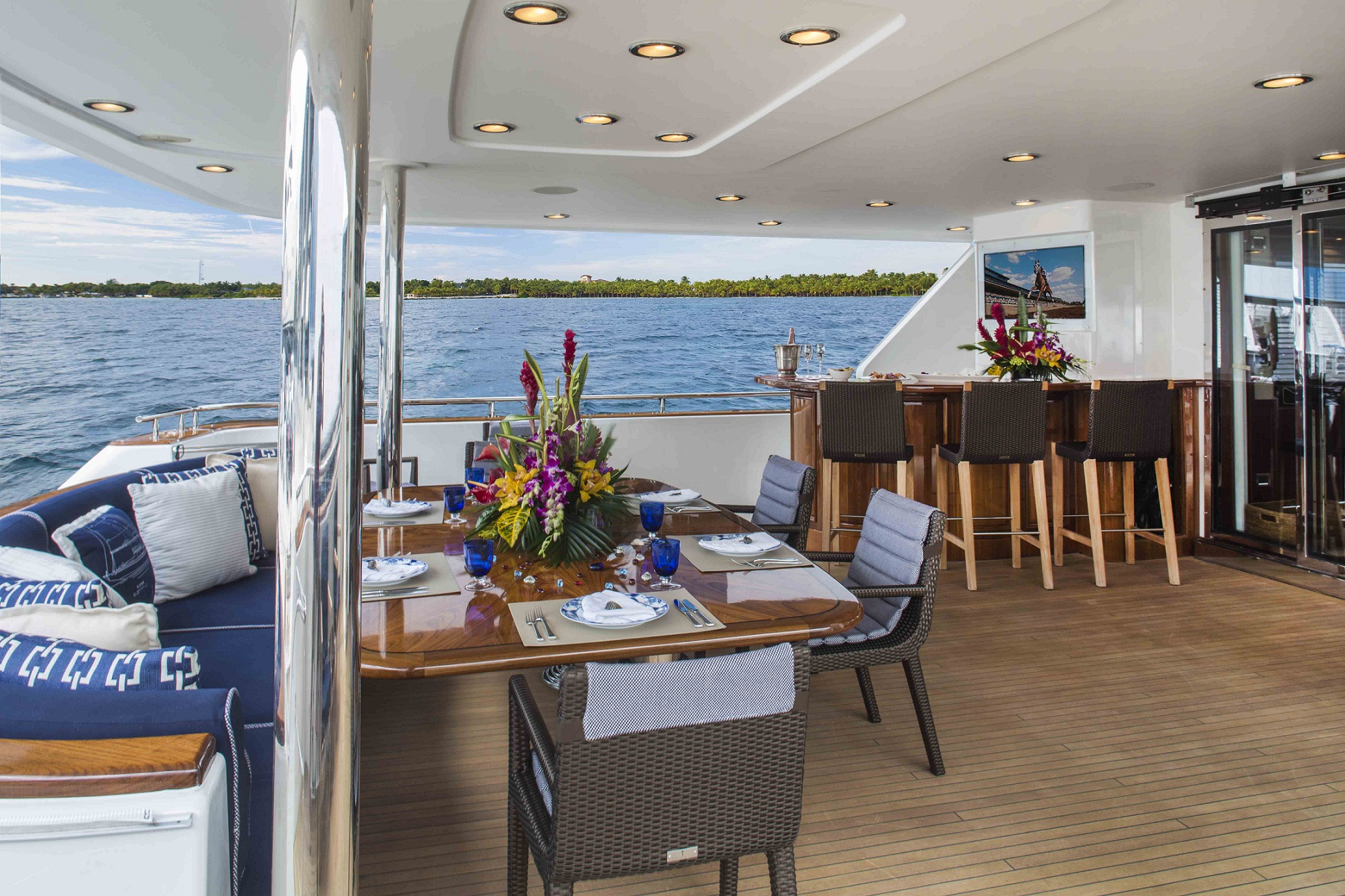 plan a yacht for charter lower deck