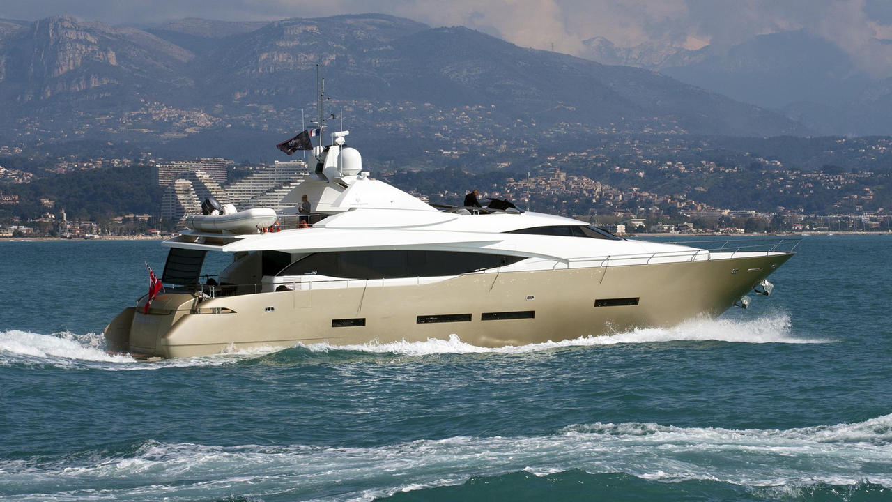 M/Y QUASAR yacht for charter