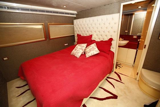 TAMTEEN Yachtzoo Luxury motor yacht sales