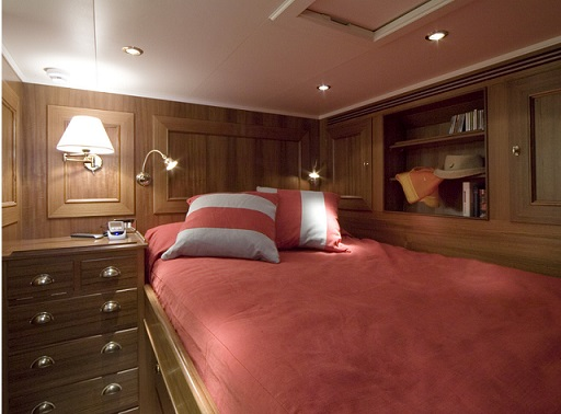 S/Y TIZIANA single bedroom