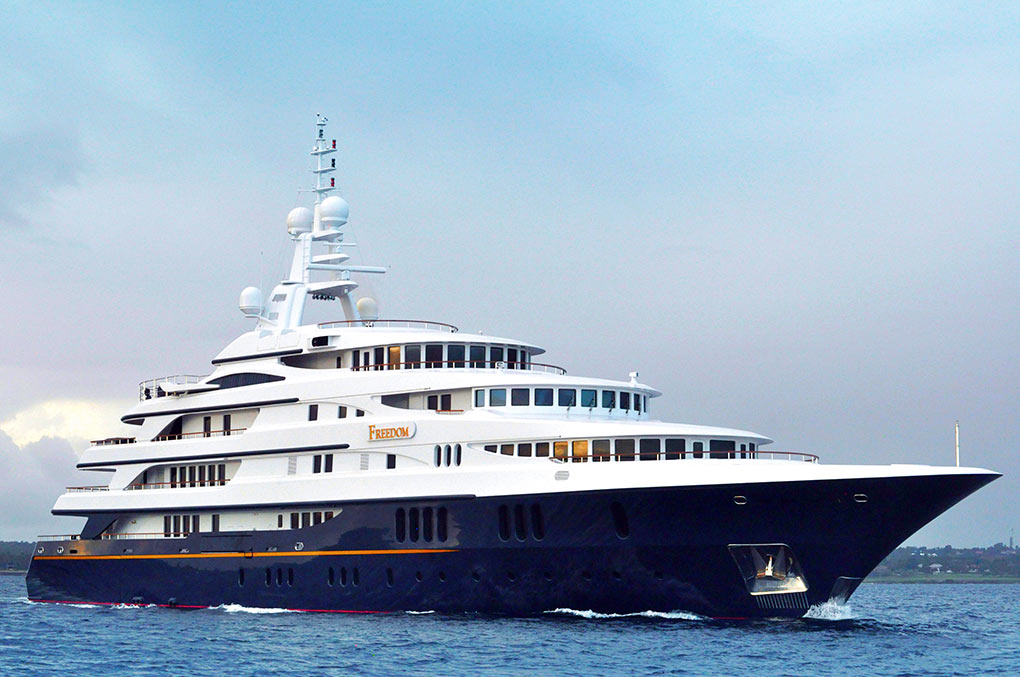 M/Y FREEDOM yacht for charter running