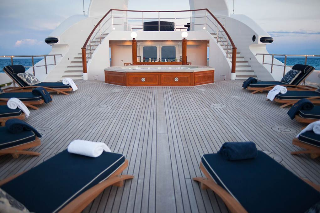 Deck area on M/Y FREEDOM yacht f or charter