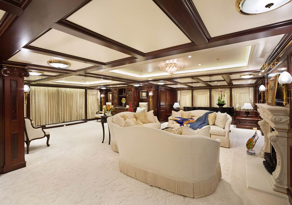 private saloon on M/Y FREEDOM