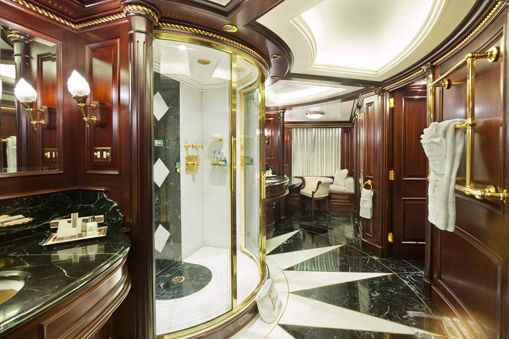 private shower on M/Y FREEDOM