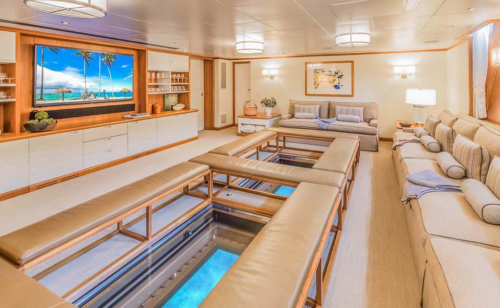 Observation lounge on a yacht for charter yacht for charter M/Y SuRi