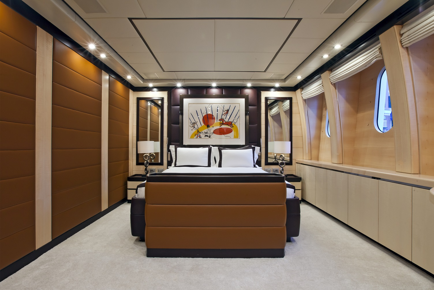 lisa iv yacht for charter guest room
