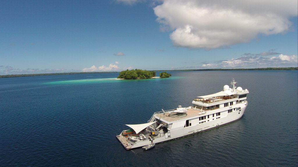 SuRi Motor Yacht