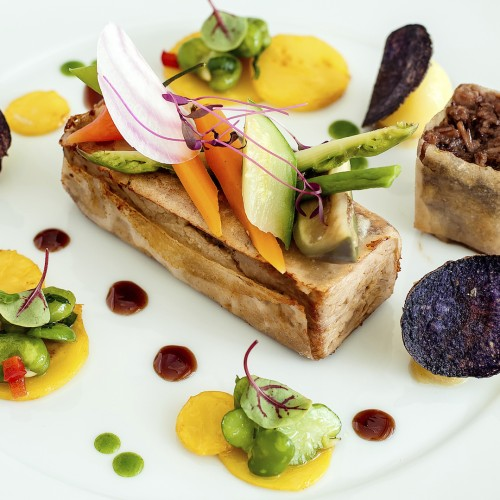 Food and Wine Experiences on a Yacht Charter