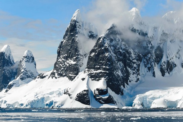 yacht-zoo-destinations-antarctica09