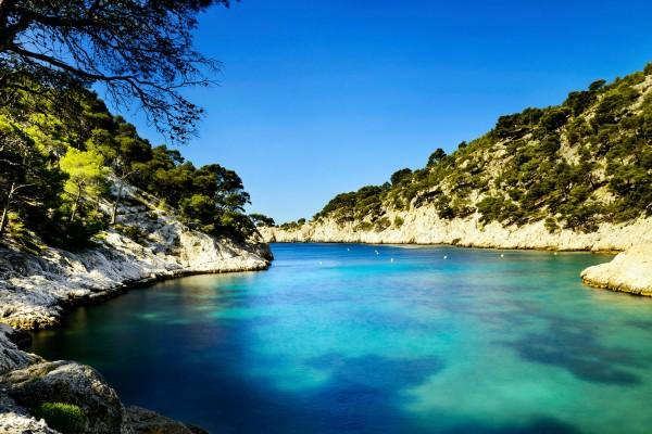 Lakes on luxury yacht charter France