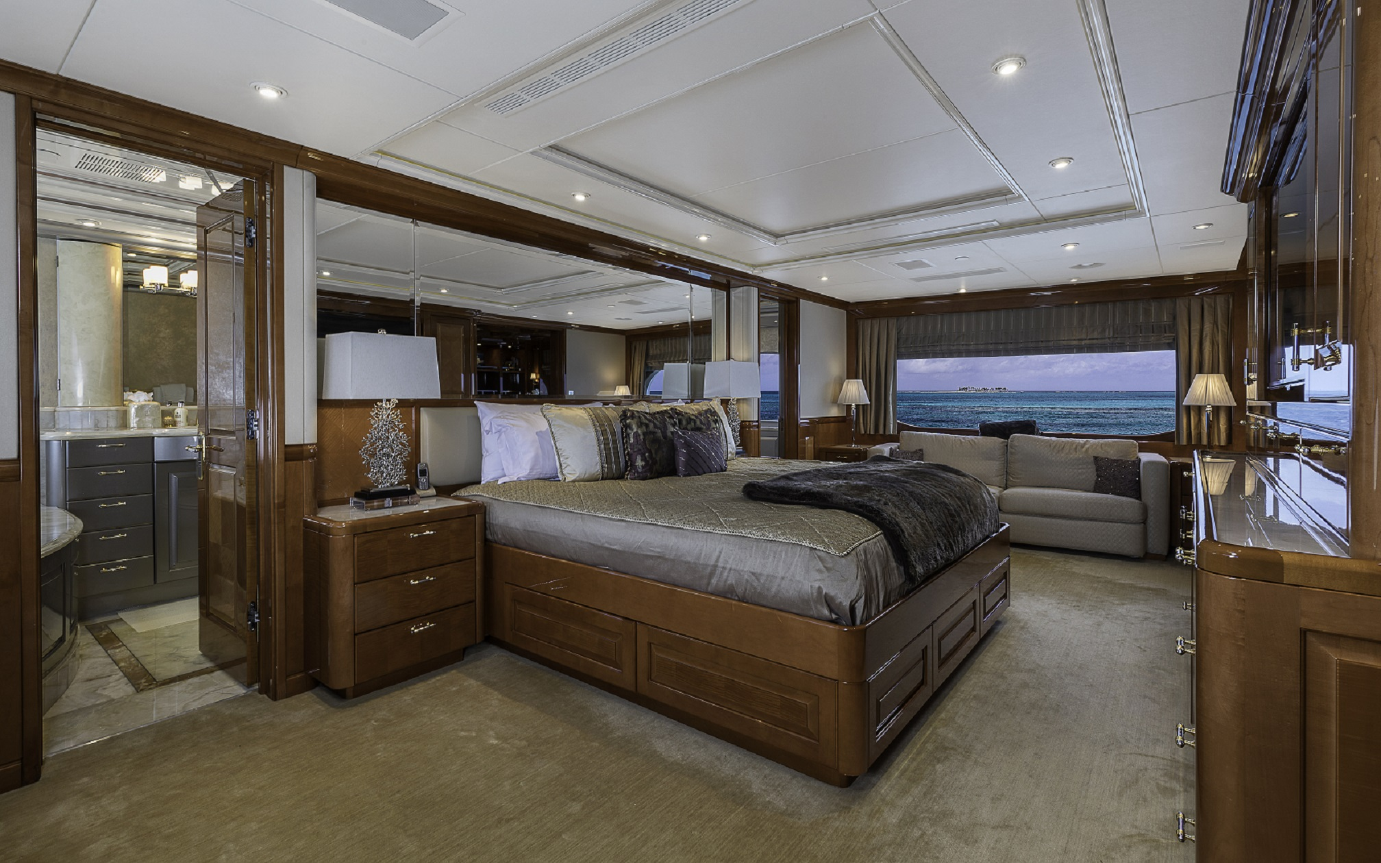 Master bedroom on m/y milestone yacht for charter