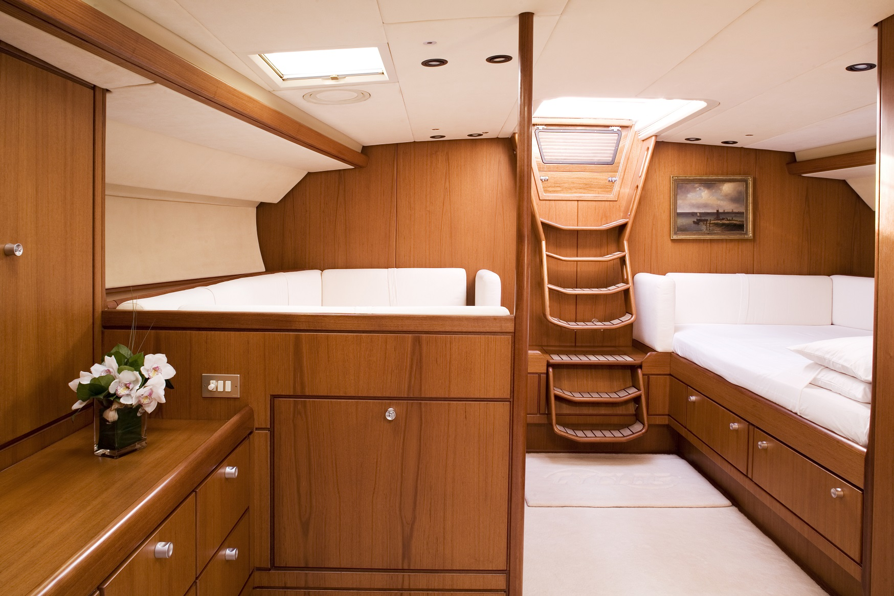 S/Y CYCLOS II yacht for charter cabin space