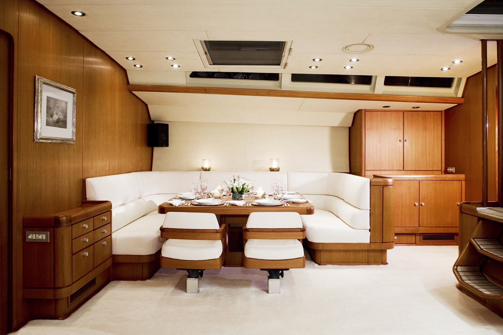 S/Y CYCLOS II yacht for charter dining area