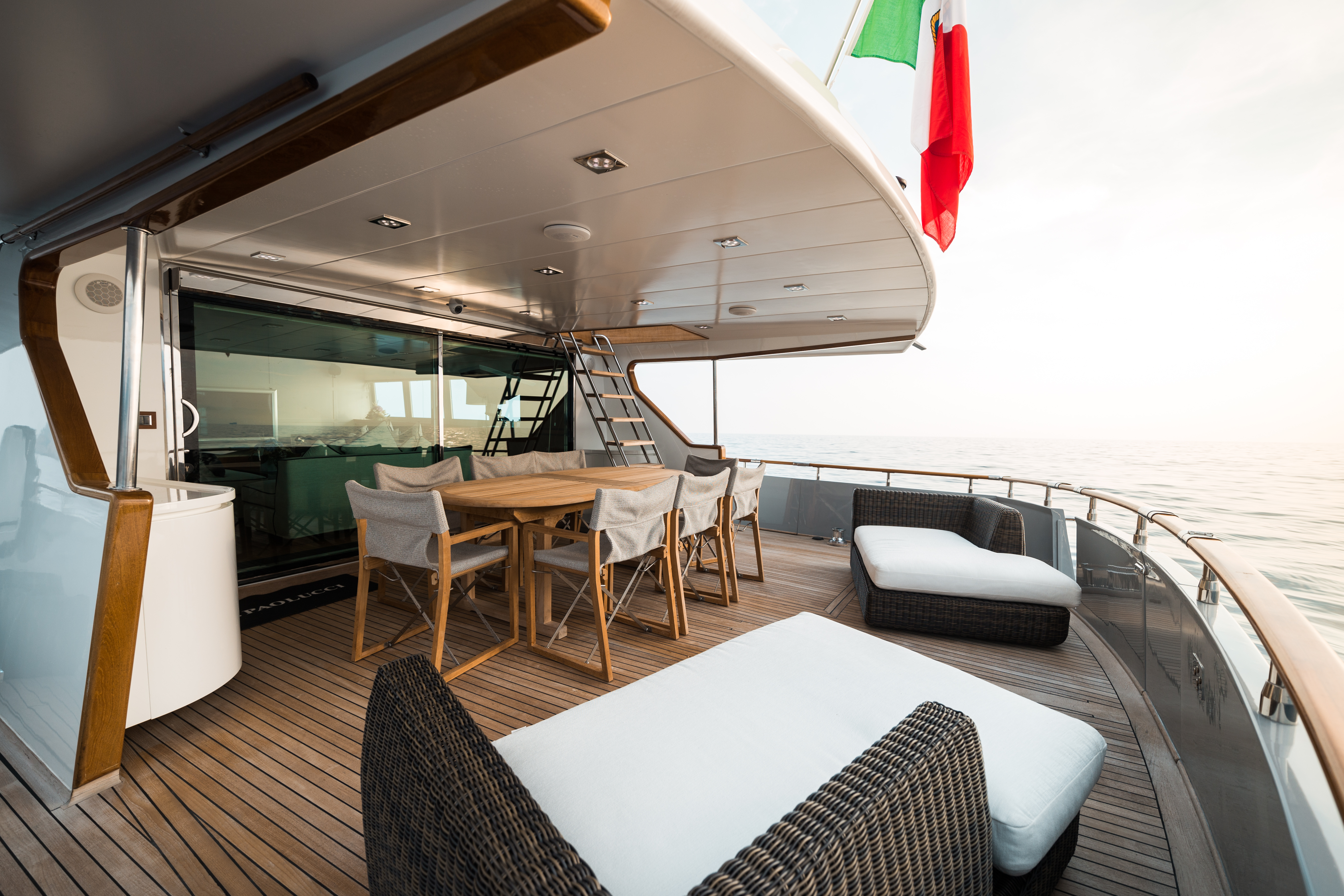 M/Y PAOLUCCI yacht for charter after deck
