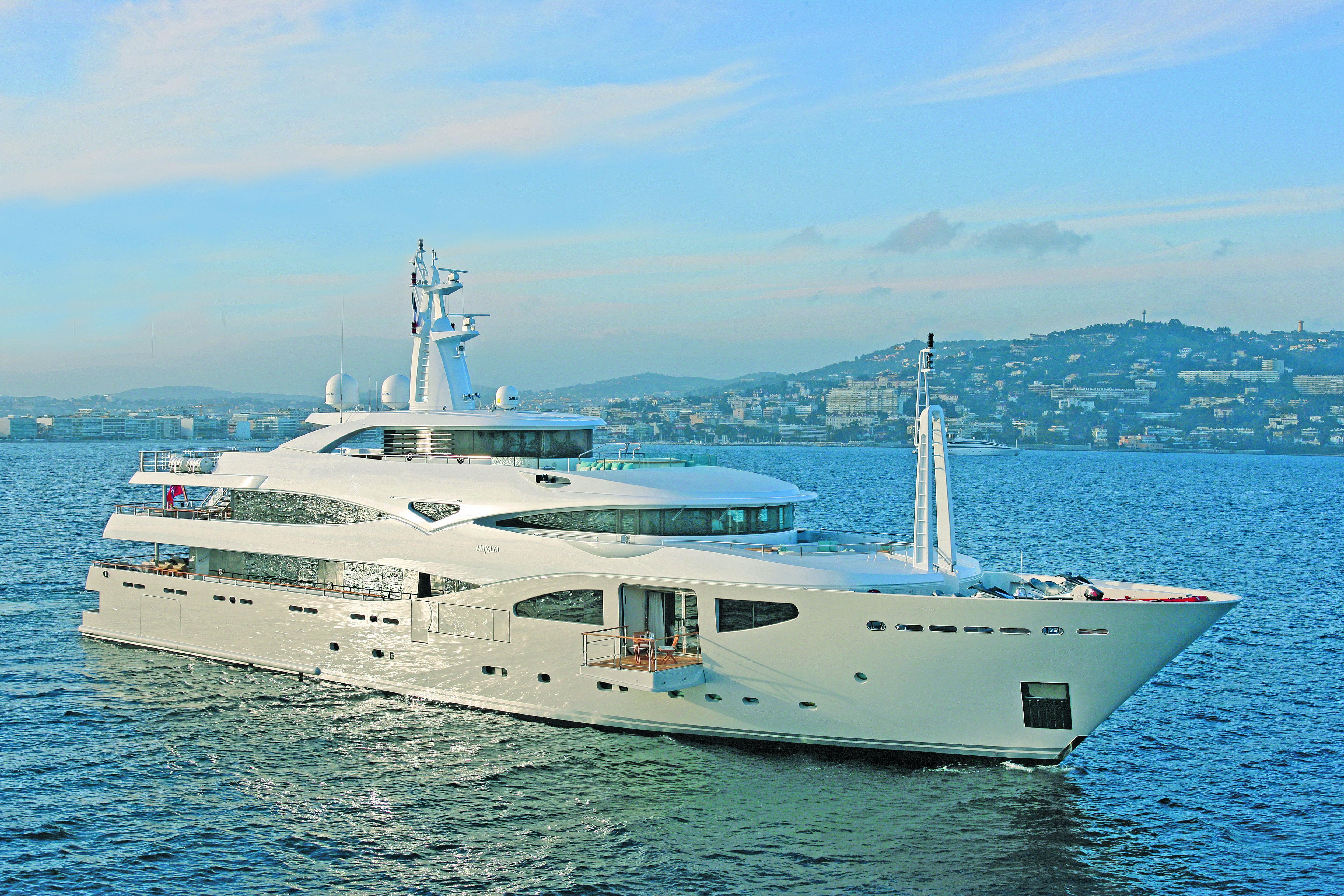 M/Y MARAYA yacht for charter at anchor