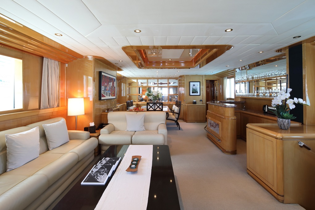 M/Y INDIGO yacht for charter lounge area