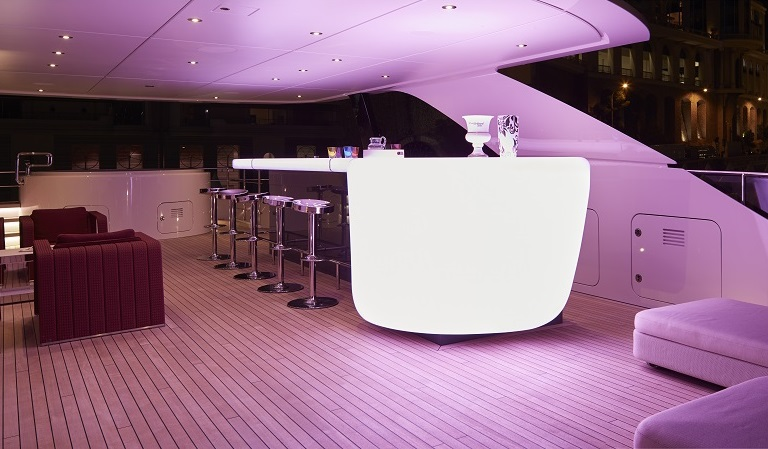 Open bar on a luxury yacht for charter M/Y Home