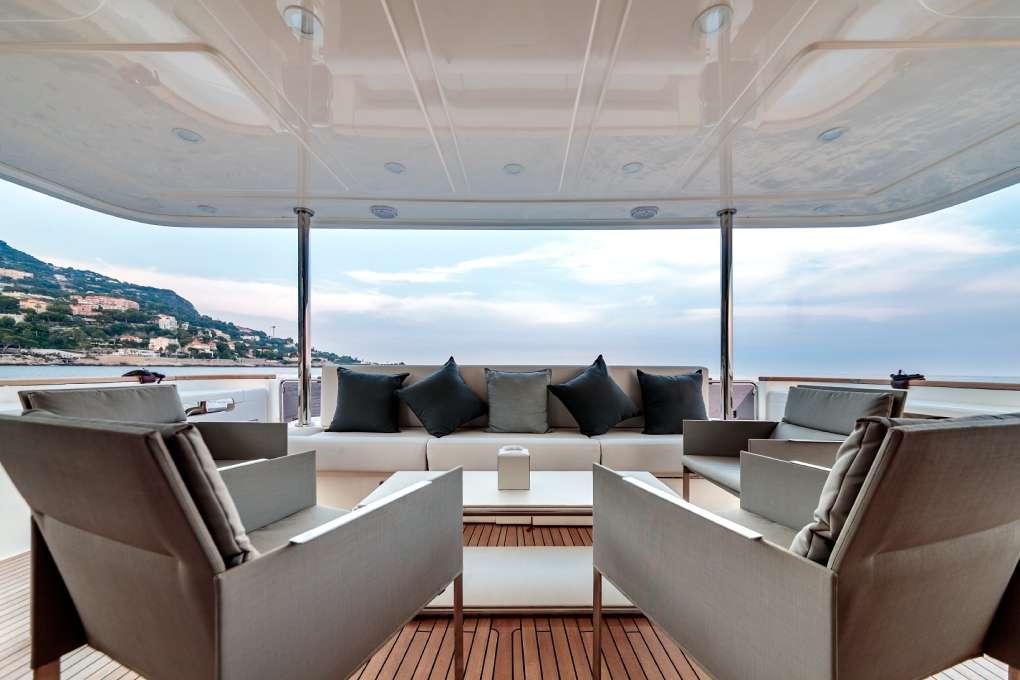 seven-motor-yacht