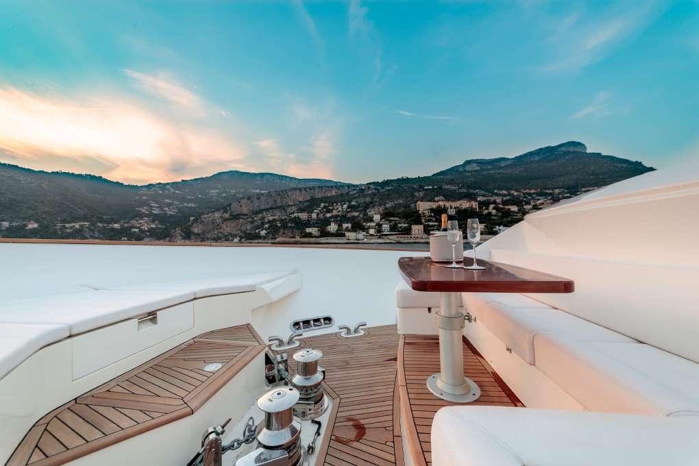 luxury-yacht-seven