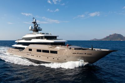 M/Y SOLO yacht for charter with YACHTZOO