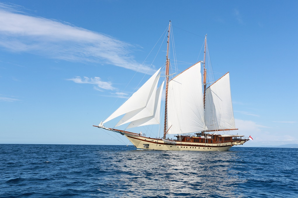 S/Y LAMIMA yacht for charter