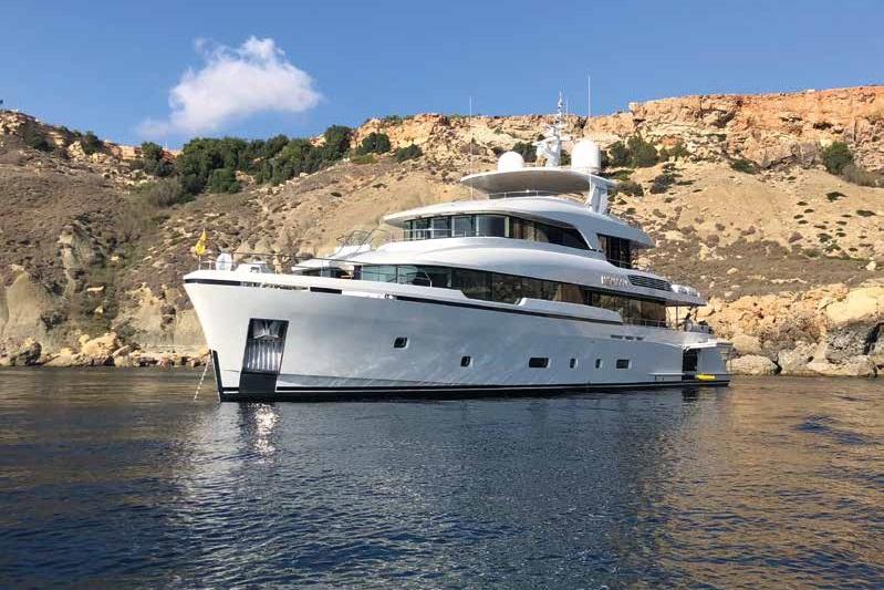 M/Y MOONEN Y201 yacht for sale exterior