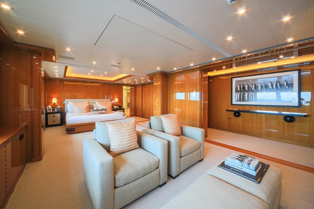 M/Y LUNA B yacht for charter vast stateroom