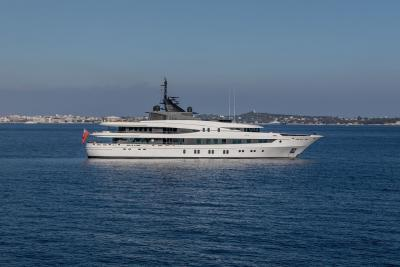 M/Y LUNA B yacht for charter