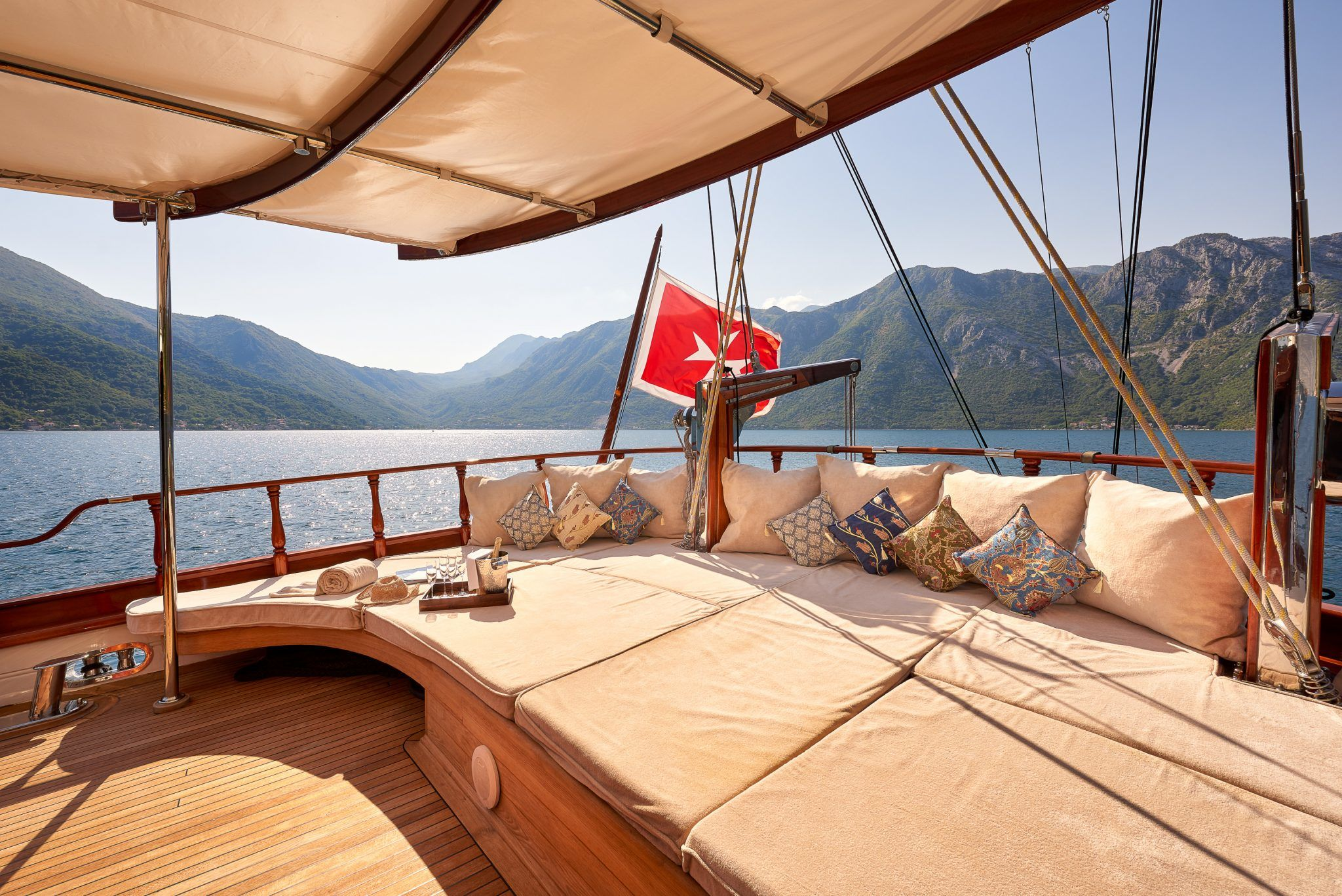 S/Y RIANA Yacht for Charter deck lounging
