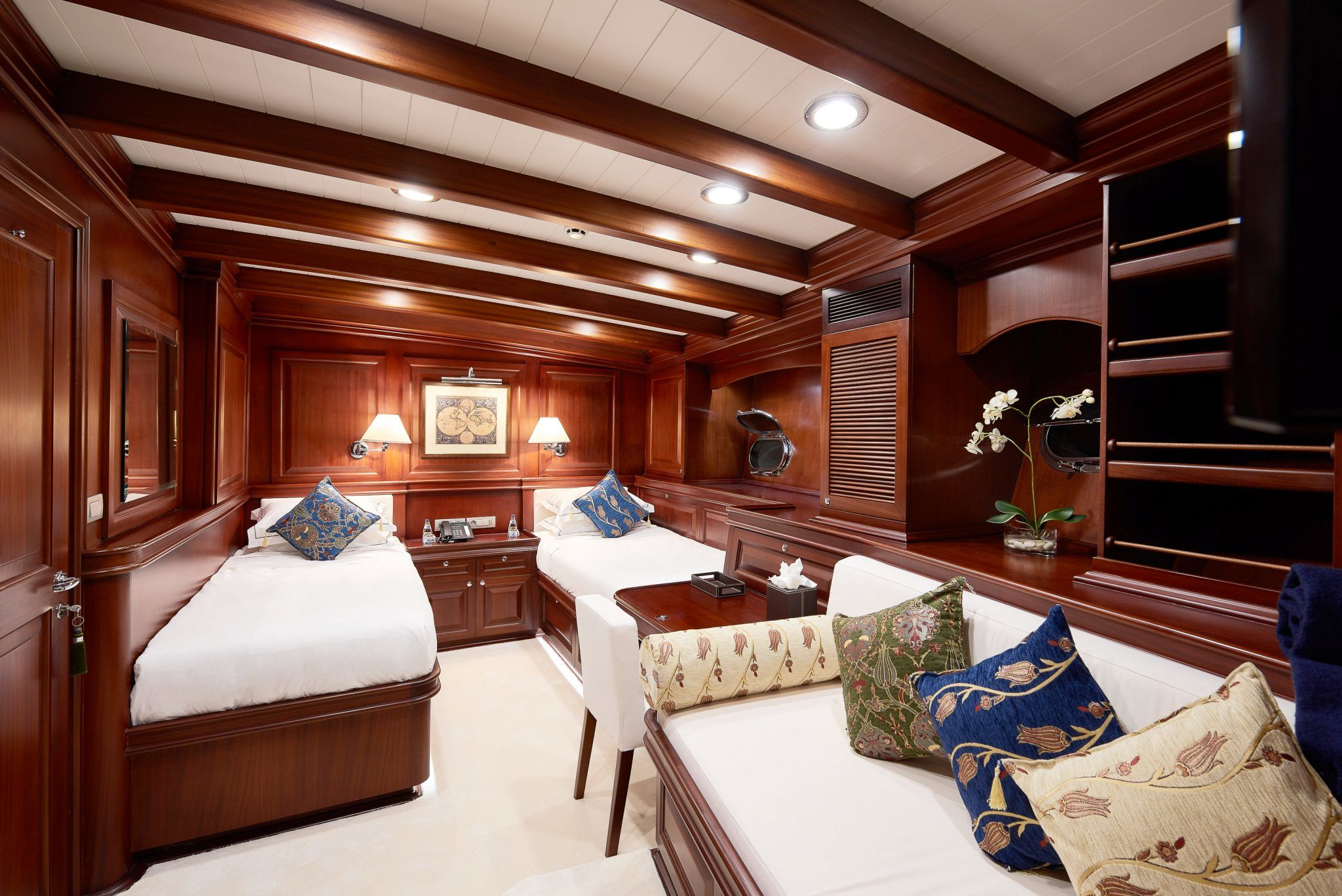 S/Y RIANA Yacht for Charter twin cabin
