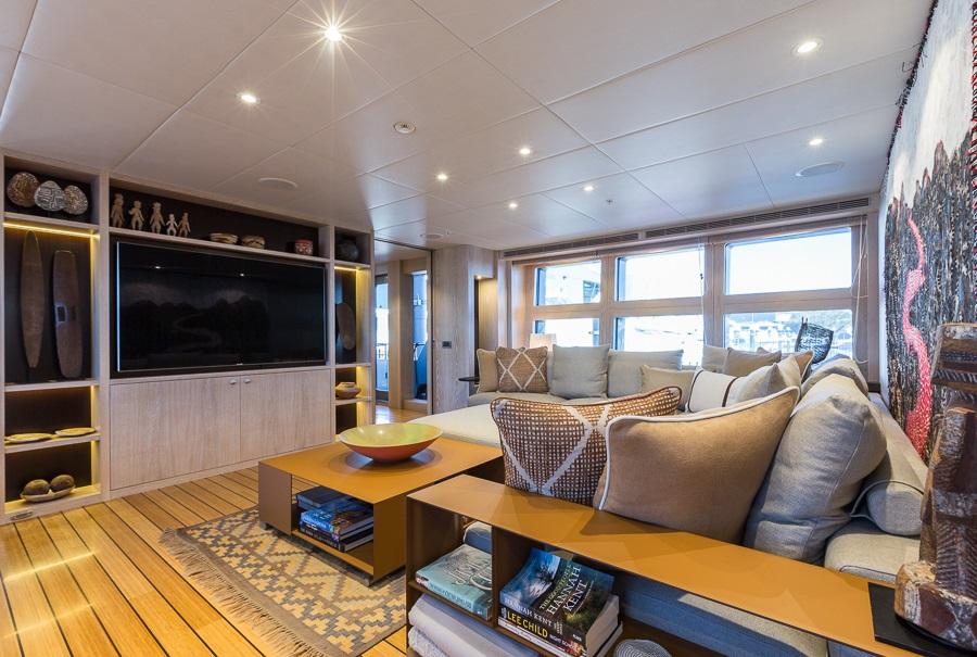 M/Y AKIKO yacht for charter salon