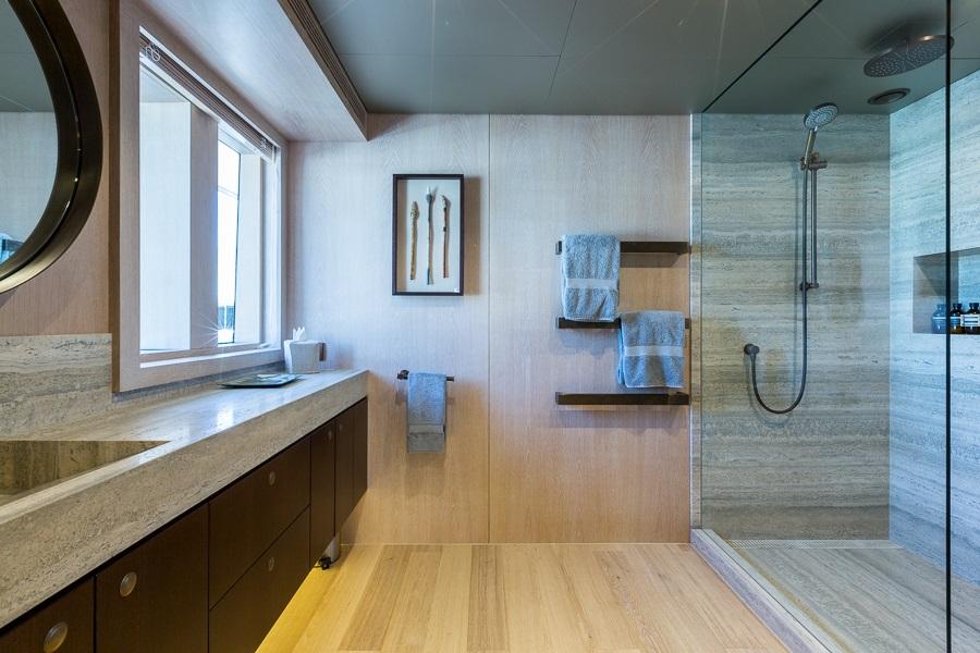 M/Y AKIKO yacht for charter master bathroom