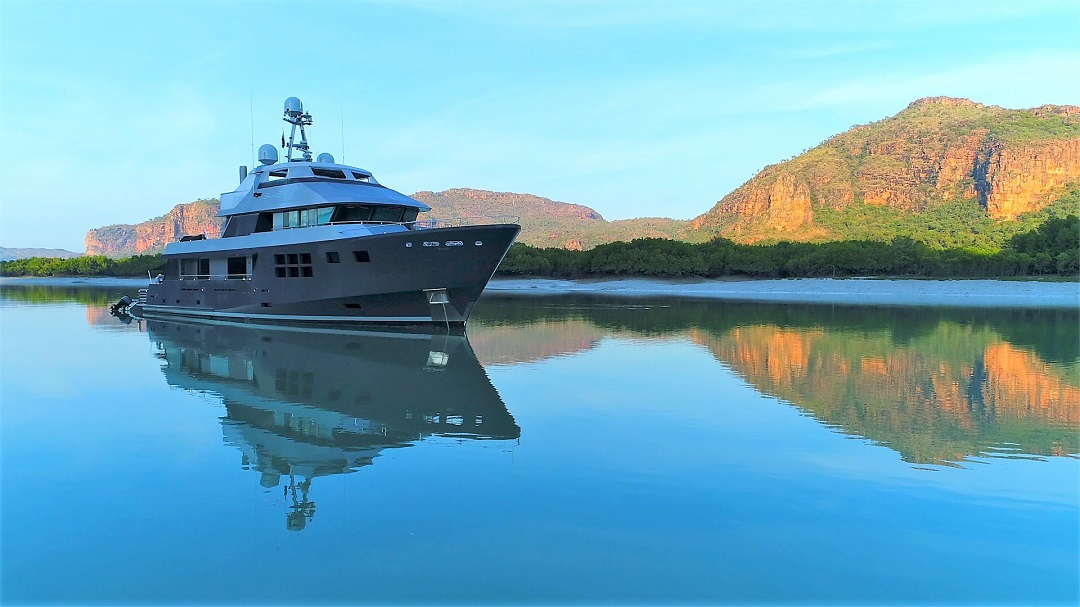 M/Y AKIKO yacht for charter anchored