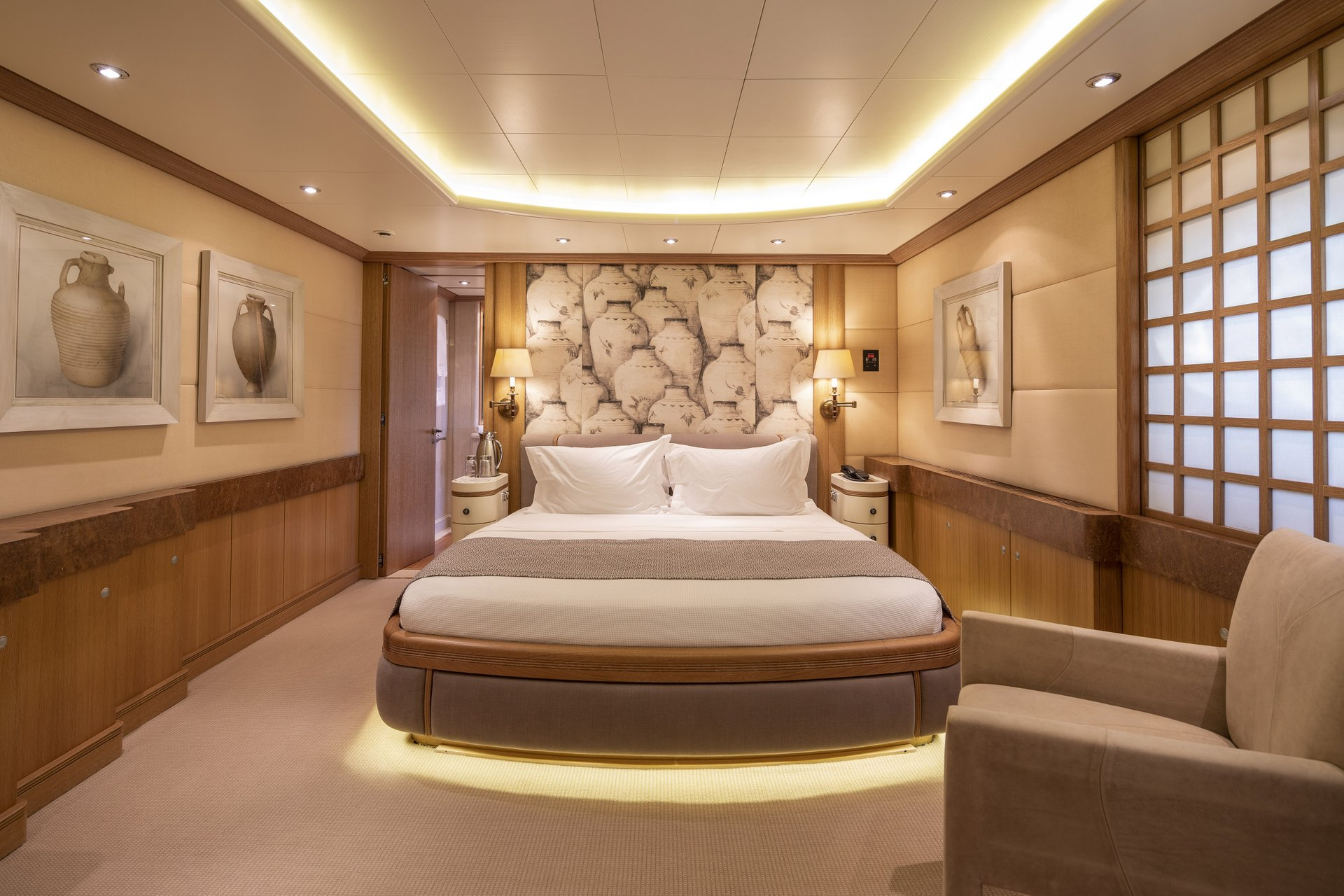 m/y alexandra yacht for charter double cabin bed