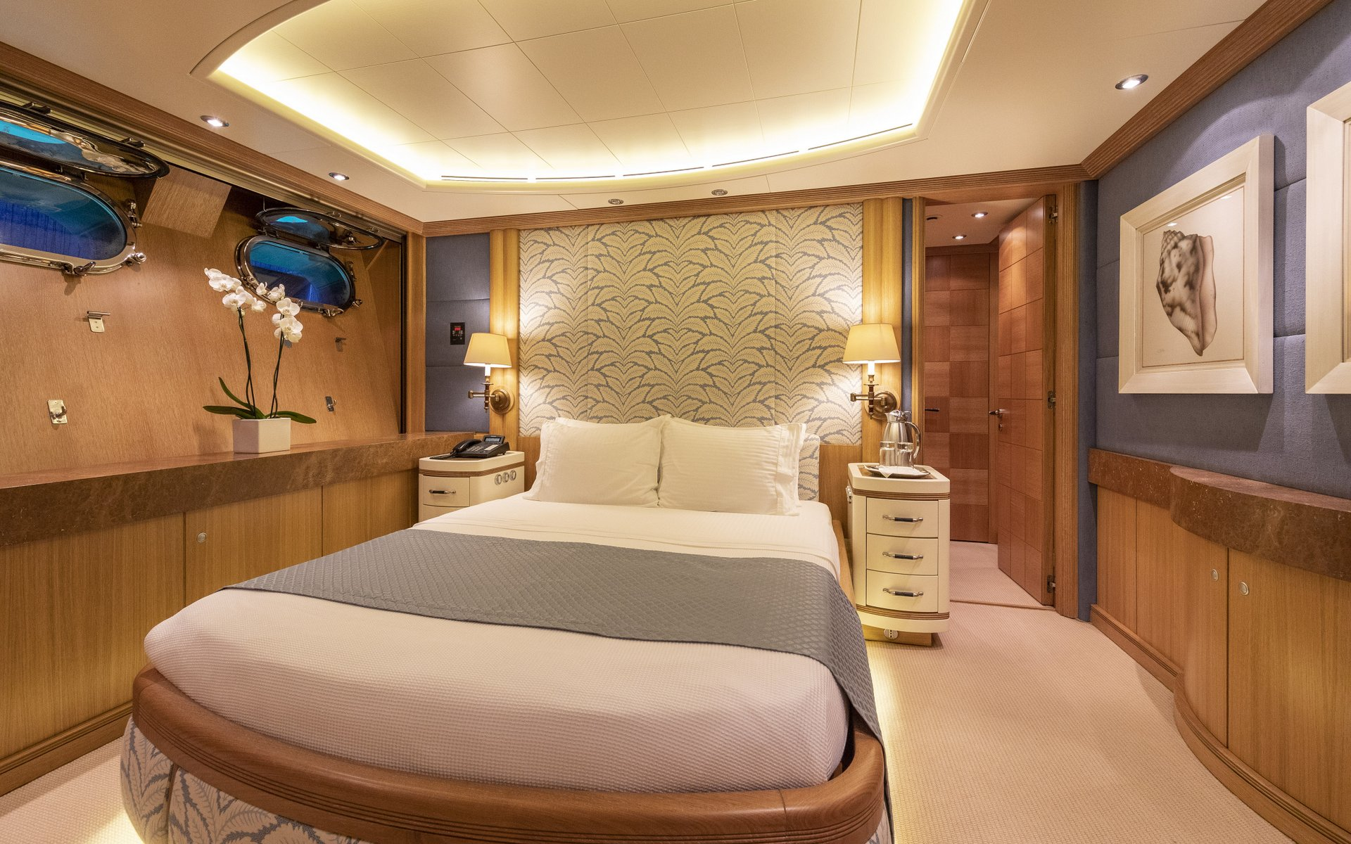 m/y alexandra yacht for charter double cabin 2