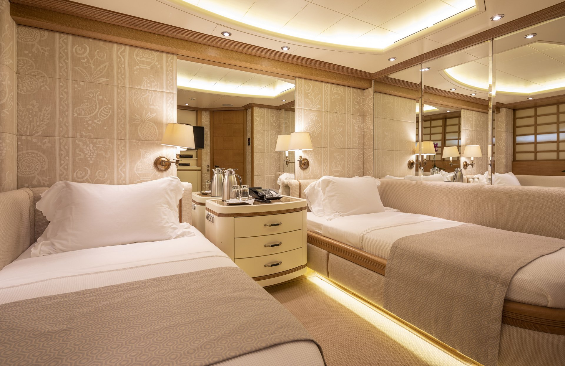 m/y alexandra yacht for charter twin cabin beds