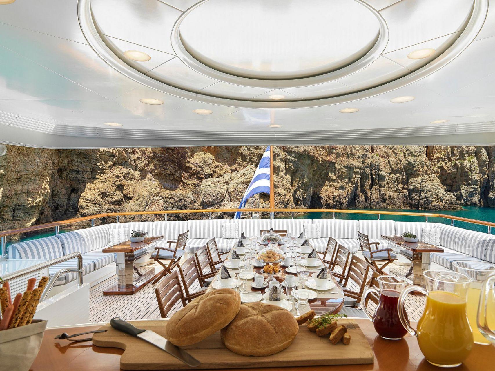 m/y alexandra yacht for charter alfresco breakfast