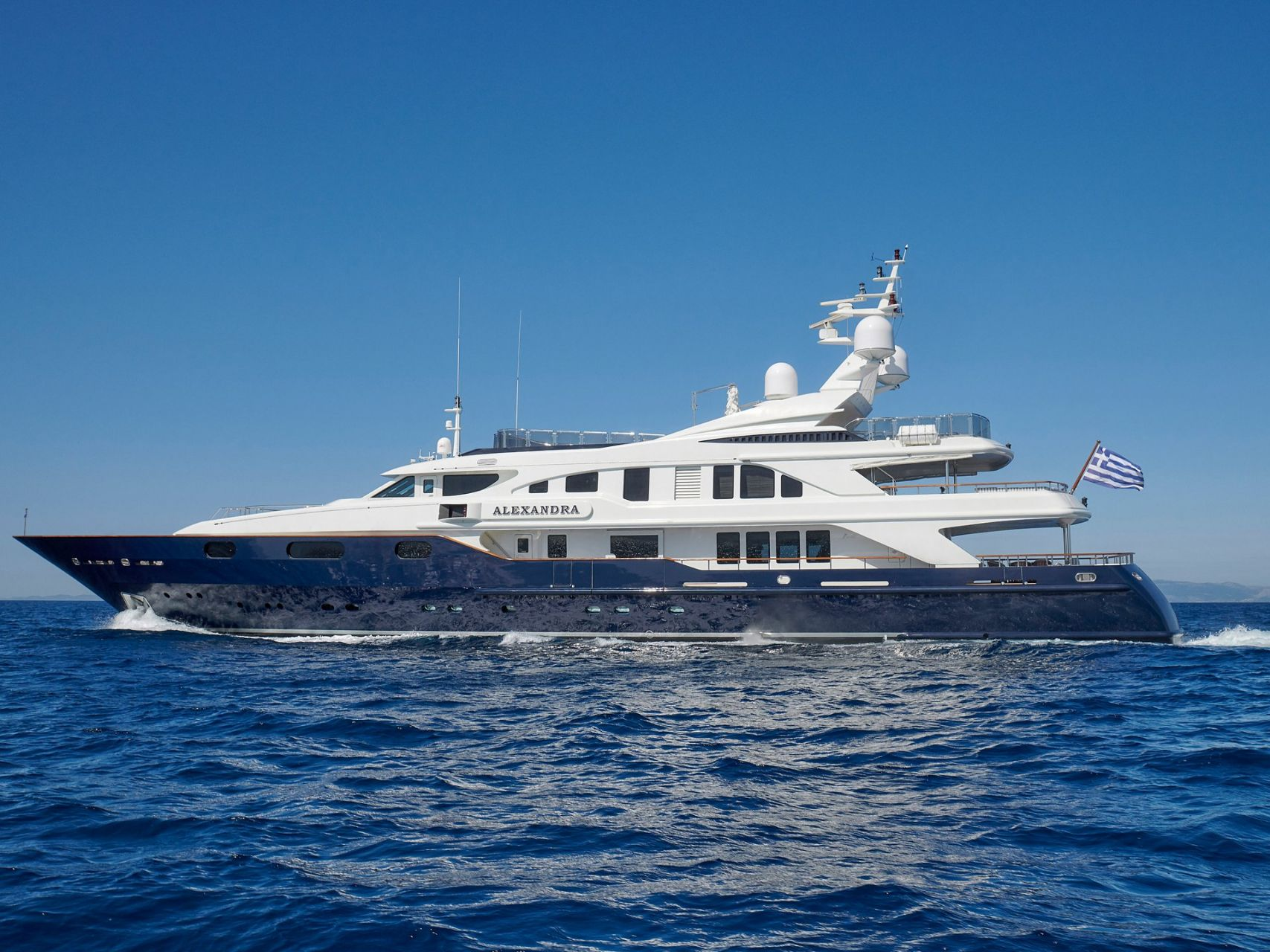 m/y alexandra yacht for charter anchored
