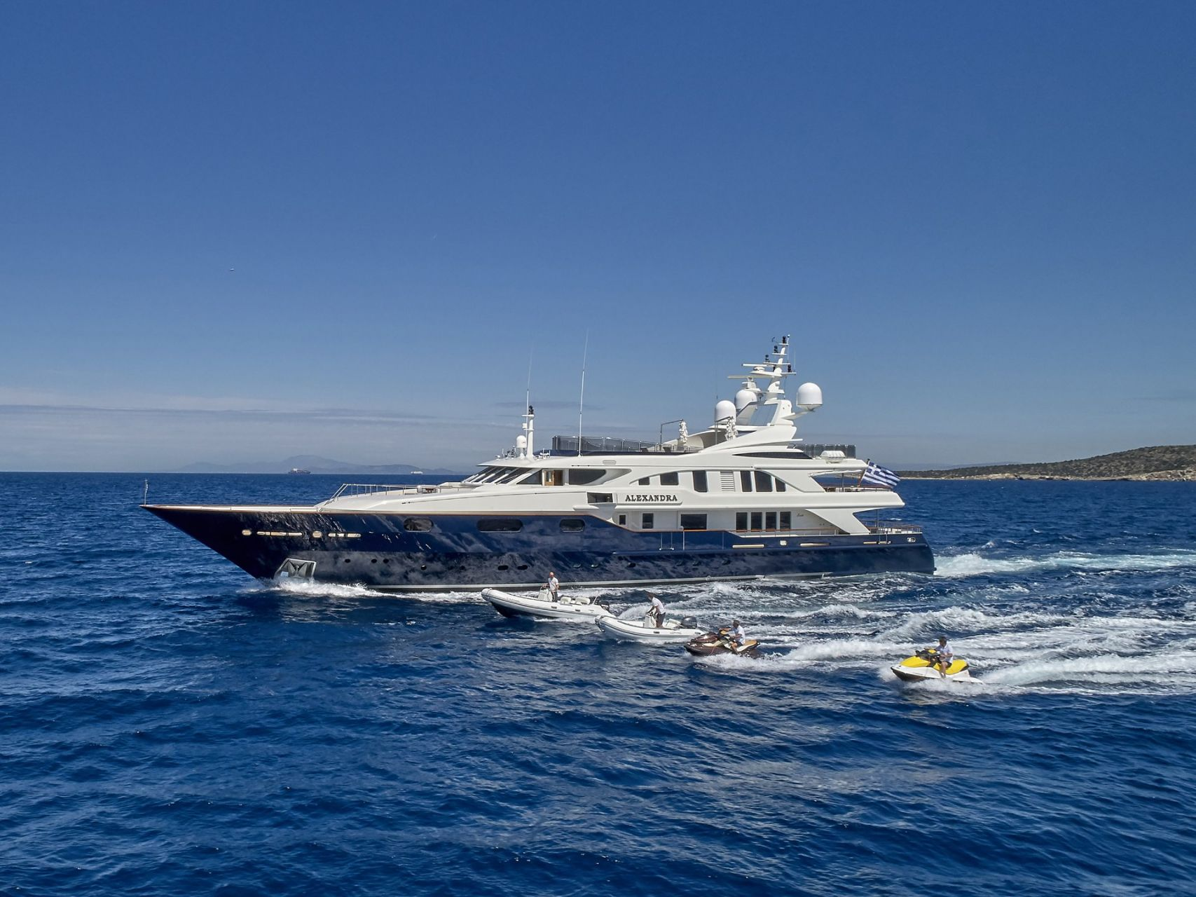m/y alexandra yacht for charter sailing
