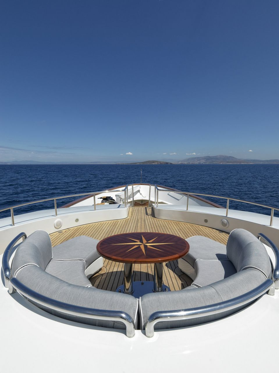 m/y alexandra yacht for charter sun deck seating