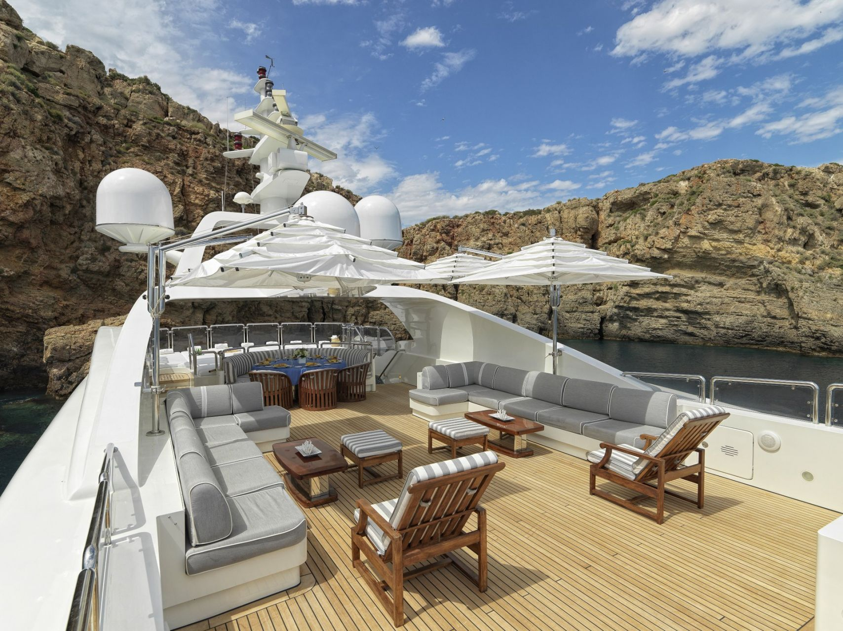m/y alexandra yacht for charter seating deck