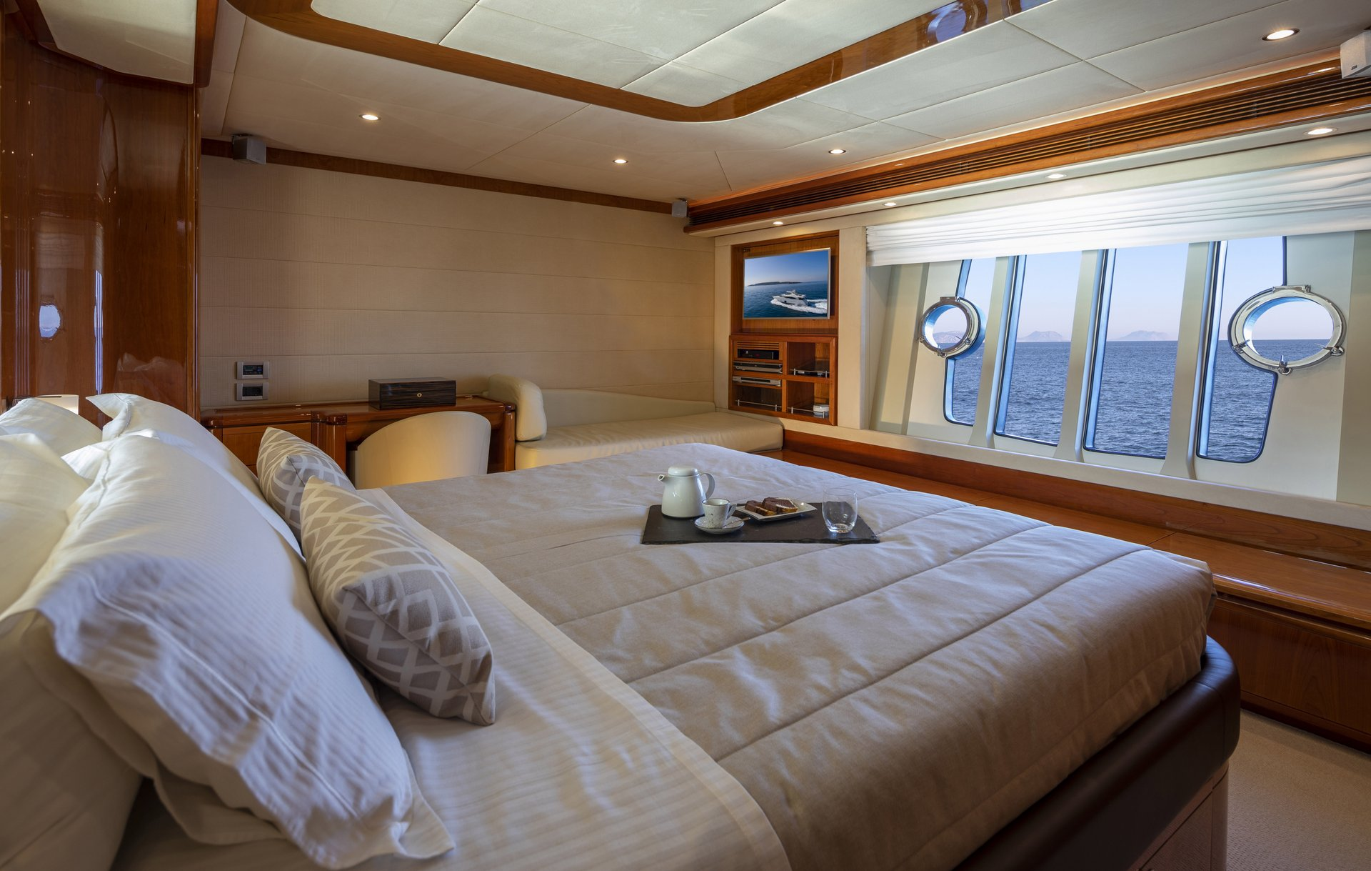 m/y astarte yacht for charter master cabin