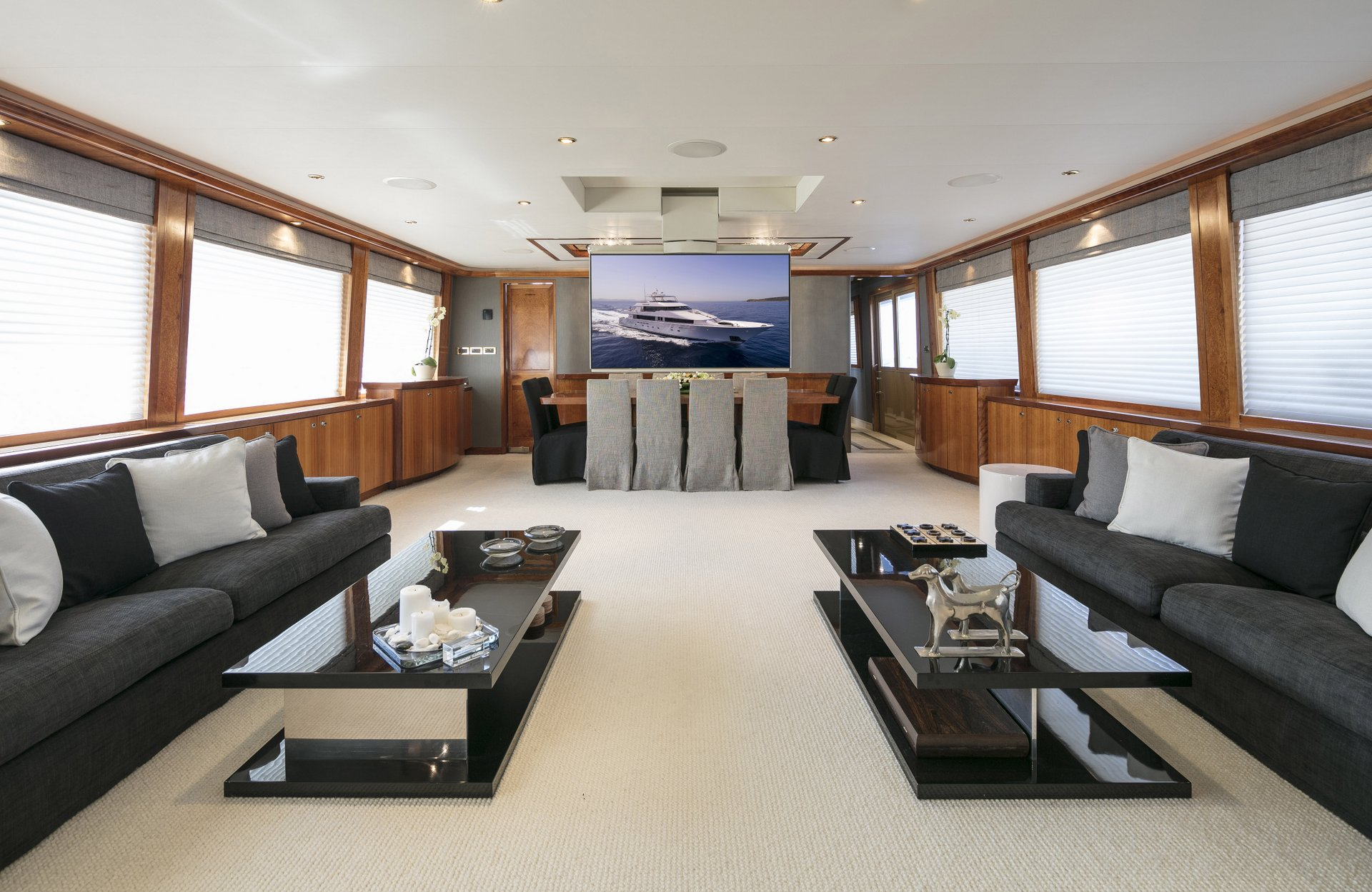 m/y endless summer yacht for charter living room